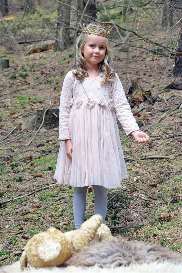 barn klänning i tyll möbler   interiör 839707dba622b